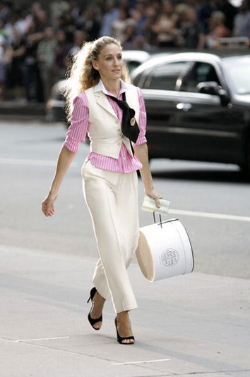 How much it would REALLY cost to take a walk in Carrie Bradshaw's shoes: http://t.co/SBprCwpOdz http://t.co/jWfE6ftDtw