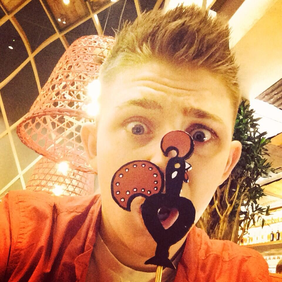 At my fav place ..... AGAIN @NandosUK 🐔 http://t.co/bh0JdBUAp9