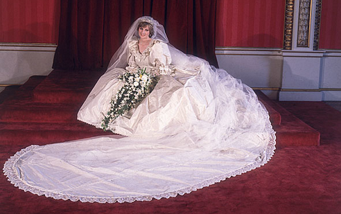 The 35 most beautiful wedding dresses you've ever seen: http://t.co/OkadLA280Q http://t.co/6OIRQYnJbg