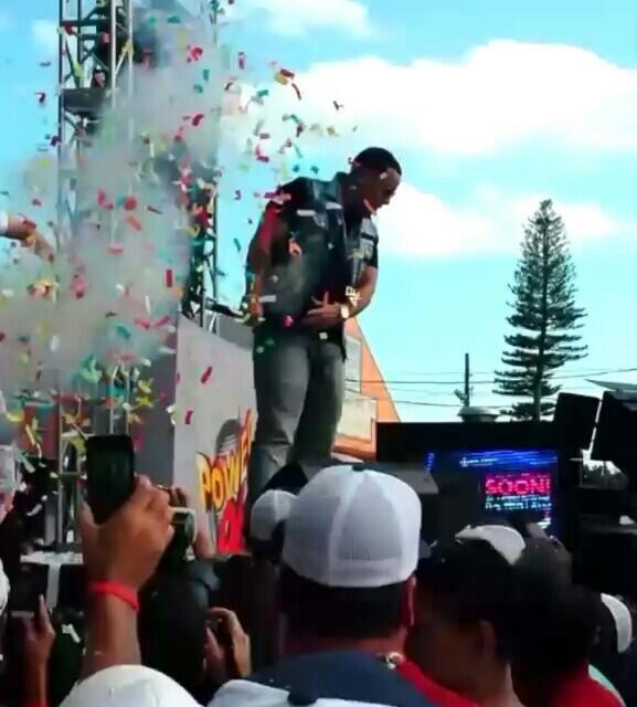 @daddy_yankee Hoy Show en #Miami #Calle8 #KingDaddy http://t.co/TSNFMU09Ug