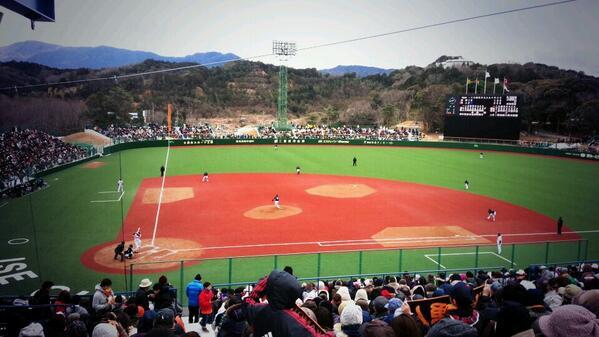 伊勢市倉田山野球場、巨人阪神オープン戦無事終了。来場者、関係者の皆さんに感謝します。 先の大戦で戦死された沢村、西村両投手の胸像も球場入口付近に移設完了。スポーツも観光も平和があってこそ。 二度と若者が戦火に巻き込まれないように。 http://t.co/DIcHHiKKpc