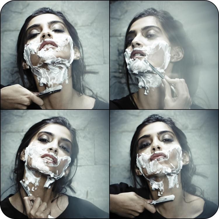 Twitter / ZoomTV: Sonam Kapoor was caught in ...