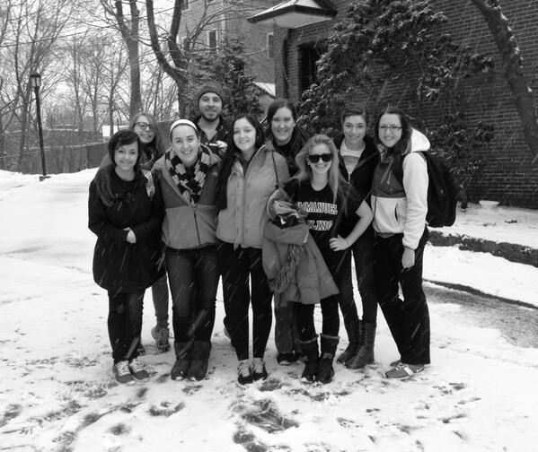 Snow & Service ❄️❄️❄️#BeASaint #ecasbbos14 headed to Pine Street Inn @ECMission @EmmanuelCollege http://t.co/KKy4HAAOBG