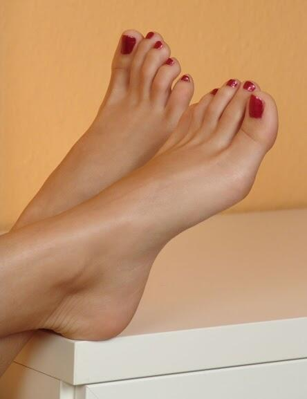 должен был смотреть фотографии женских пальцев ног обнаружили отсутствие