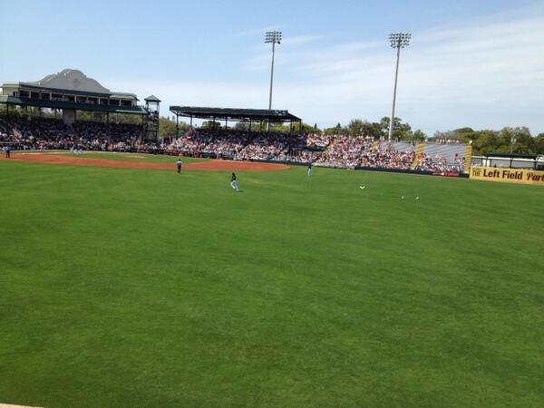 Great way to start #springtraining vacation -- at McKechnie Field! A balmy 75 in #centerfield http://t.co/3w2wjsOXm0