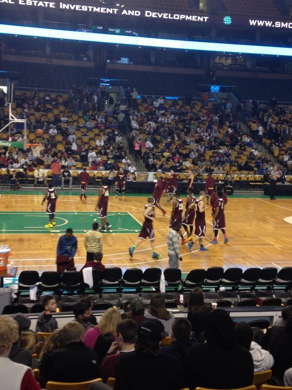 SC vs Connolly #SCBasketball #TDGarden http://t.co/RViztmtIA7