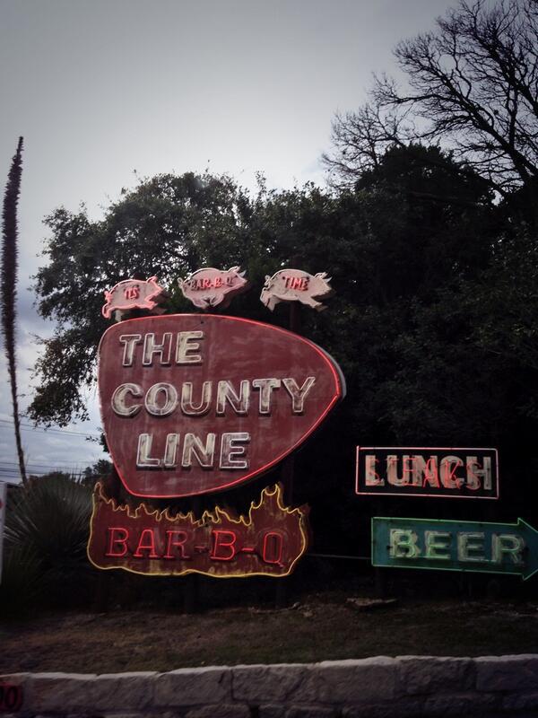 Texas BBQ feast w/ @scooterbraun @hoogs @yael @JackieAugustus @AllisonKaye @jsmanson @AdamBraun + @dankanter http://t.co/3IIHLjyVhf
