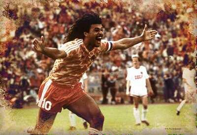 Ruud Gullit is coming to Dayton! The 2x best player of the world is in Dayton May 10 and 11!  http://t.co/xbKTyMVIsn http://t.co/QhdtPDMhJ5