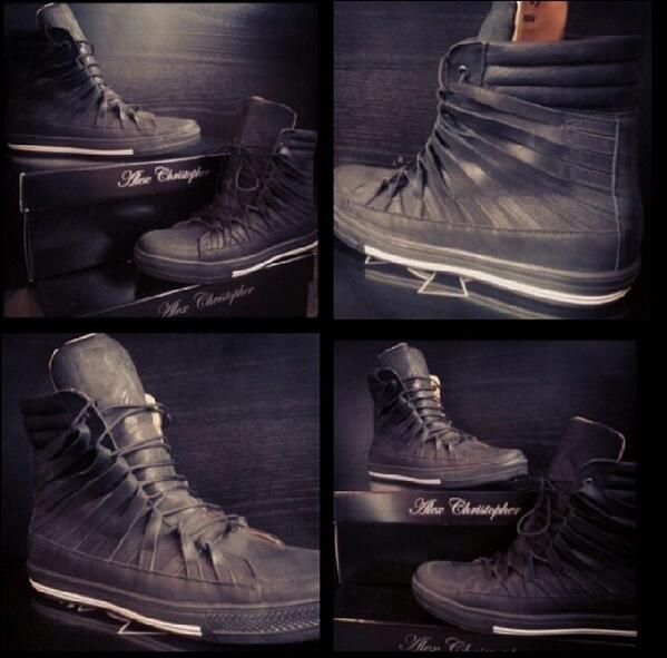 First look at my new Hi-Tops...Call @ETTOBoutique HQ on 0844 809 4461 for more info http://t.co/n8xGsTmpAo