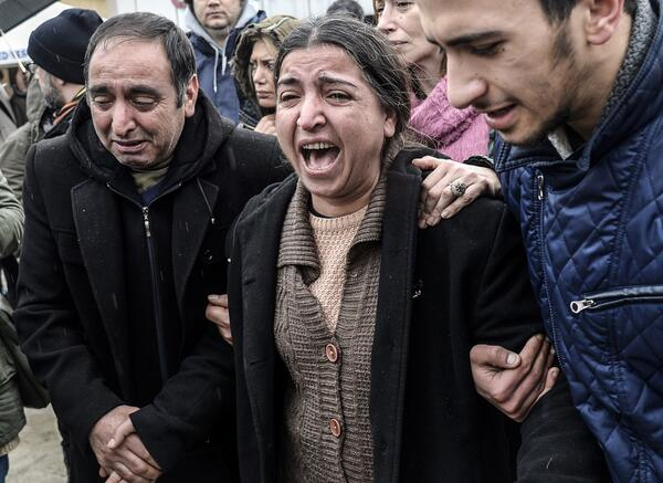 Turkey Mourns Berkin Elvan, Teenager Caught in Police Crackdown (photo:@AFPphoto/@GettyImages) http://t.co/NhAkYS83vp http://t.co/HmOEg594Tj