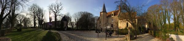 It's not everyday you stay in a French chateau! Thank you Paris Nice for this one. http://t.co/epQY8iANu4