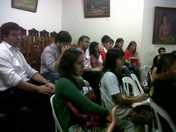 #AsambleasCiudadanas @GobSantaFe participando de la comisión por una #LeyDeJuventudes #SantaFeAvanza @santafejoven http://t.co/8cap6V6piY
