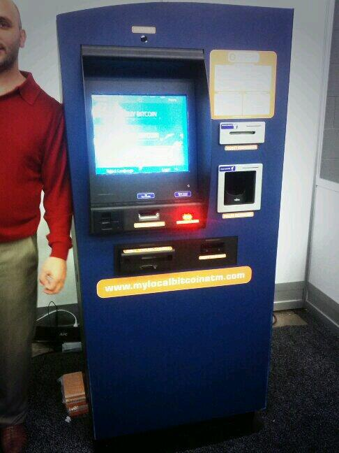 Here is the first #bitcoin ATM machine! #SXSW 5% cost of transaction http://t.co/y2FeDyRFz8