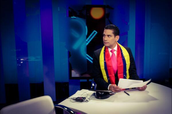Gracias @Misses4Peace por este regalo tricolor, #Venezuela te llevo en mi corazón!! http://t.co/B9T6lsycJo
