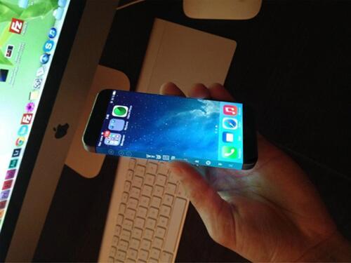 iPhone 6 ถูกสั่งผลิตแล้ว 90 ล้านเครื่อง เปิดตัวกลางปี 2014  http://t.co/3m3Td4u2Ox http://t.co/JObzZiWpUC
