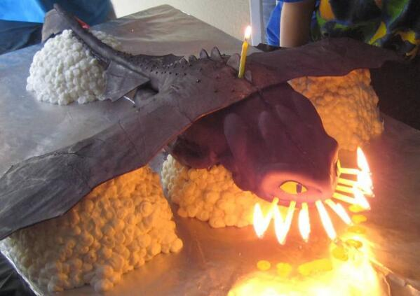 We Food On Twitter Quot How To Train Your Dragon Cake