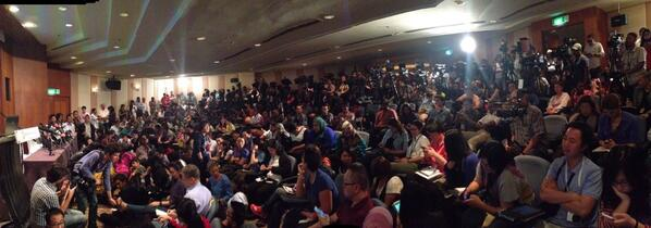 Big air of anticipation at much-delayed #MH370 press conference, largest attendance so far. http://t.co/eUn1QwHgtF