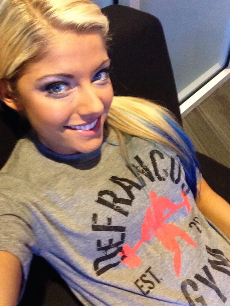 Alexa Bliss On Twitter Quot Wearing My Defrancosgym Shirt