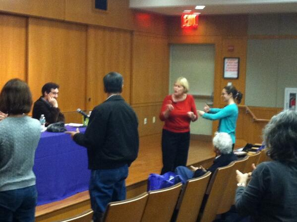 Staying Sharp NYU begins with a brain warm up led by trainer Linda Meyer #brainweek http://t.co/Rguf0xhs6H