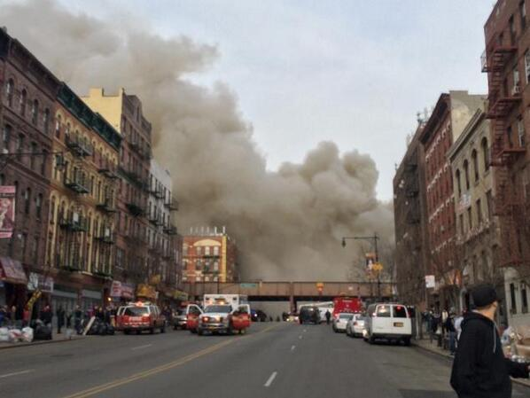Possible building collapse in Harlem http://t.co/FGT9tzft8k http://t.co/L4TH3YXGAM