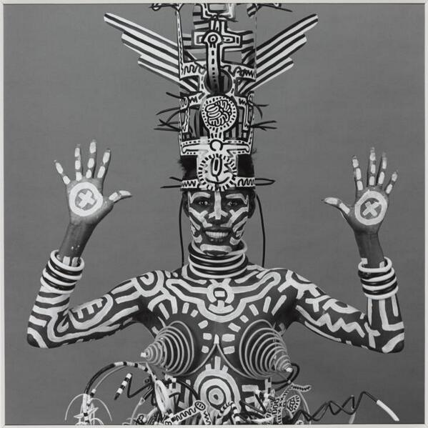 Grace Jones, body painted by Keith Haring and photographed by Robert Mapplethorpe in 1984 #groovy http://t.co/pAxaPwzLWM