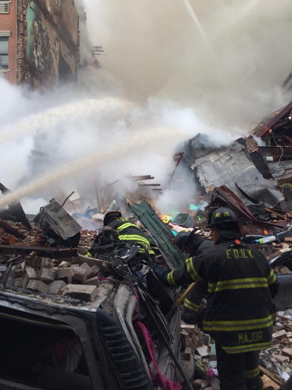 Exclusive photo up close of scene of Manhattan/ Harlem explosion fire. http://t.co/NoKzBmo7hy