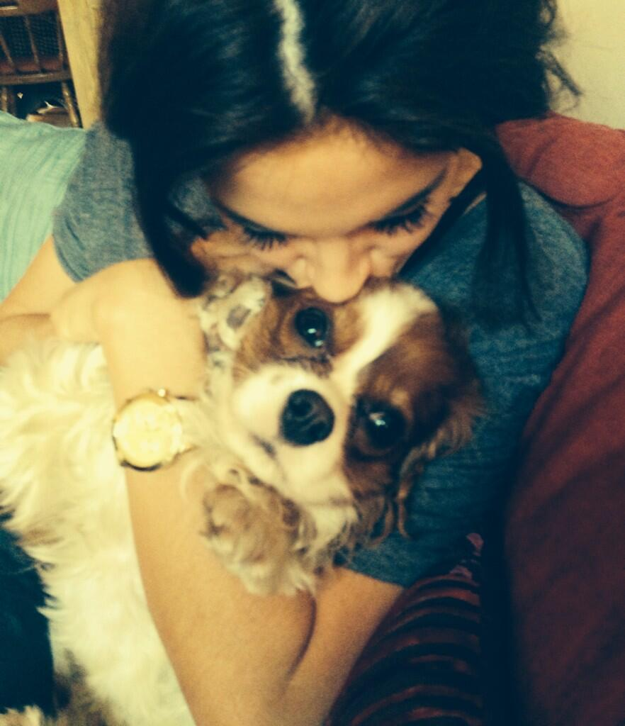 RT @iamlulabel: Loveeeee this!!! My betch @BinkyFelstead and her scrummy bear http://t.co/KnOmoV4GHn