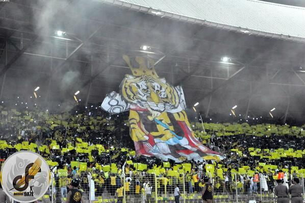 "Great display from Al Ittihad fans last night! ""@alatef: @AsianFballFeast ITTIHAD fans in al ain match http://t.co/hp6QgBsP5c"""