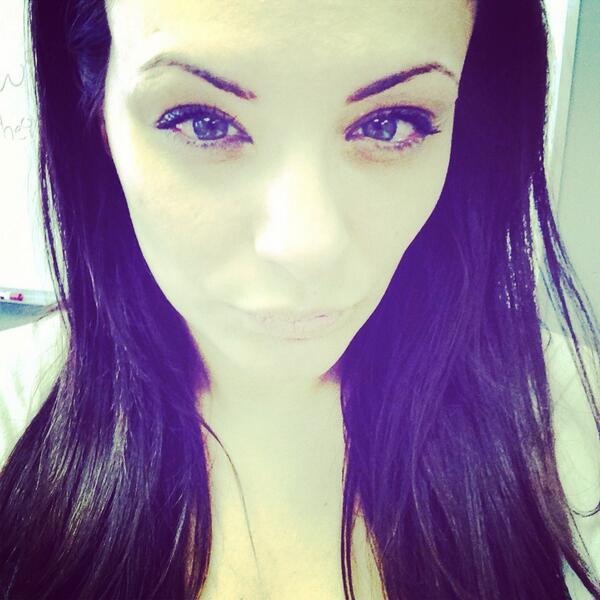 Eyebrow Waxing News En...