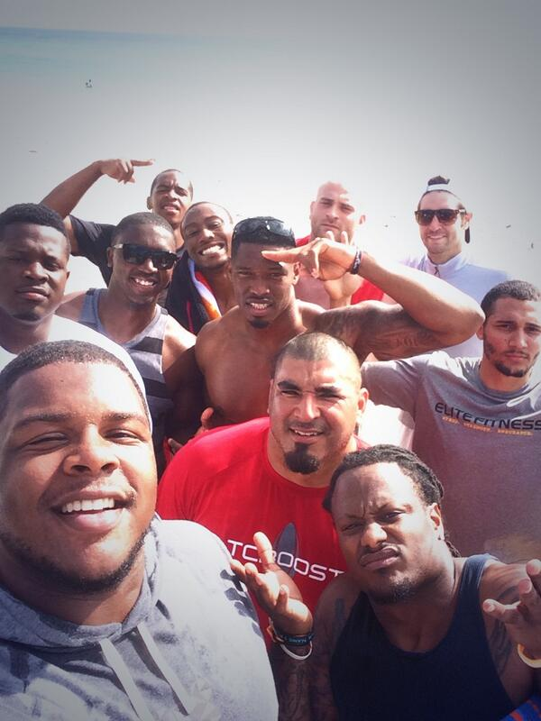 #BEARDOWNselfie #SouthBear after a lil beach workout.. S/O @BMarshall for the hospitality all week http://t.co/nx97H2vu1s