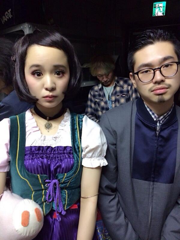 ハゲ と 眼鏡さん( @hama_okamoto ) と センターに