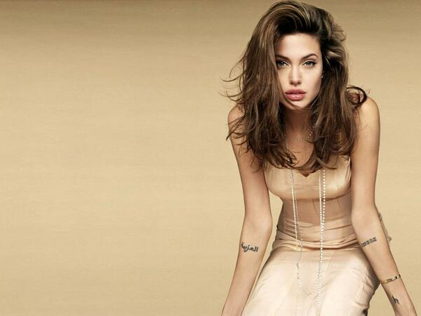 Naked pictures of angelina jolie picture 908