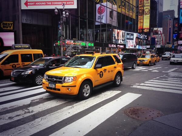 New York has really welcomed #VCU in a big way. They painted all the taxis gold and black, #GORAMSGO http://t.co/C30GqZjZZi
