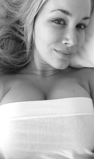 Jenni Lynn  - Laying in be twitter @Jenni_Burns friskyfriday,tgif