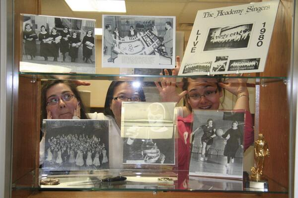 I love this photo of students working in our archives so I'm sharing it again! #ArchiveShelfie http://t.co/vZVdJZQbHy