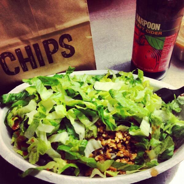 Loving new @chipotletweets sofritas @HodoSoy organic burrito bowl. Nom http://t.co/7UmC1R9dYA