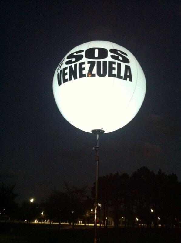 ¡WAO! Que hermoso 👏😍 @EurybiaH: #15M #16M Orlando #SOSNocturno #SOSVzla #Orlando #Venezuela http://t.co/ibgPzE8Q5n