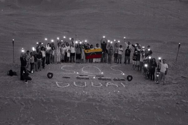 SOS DUBAI ADELANTE VENEZUELA!! http://t.co/9ek4KEkNHR