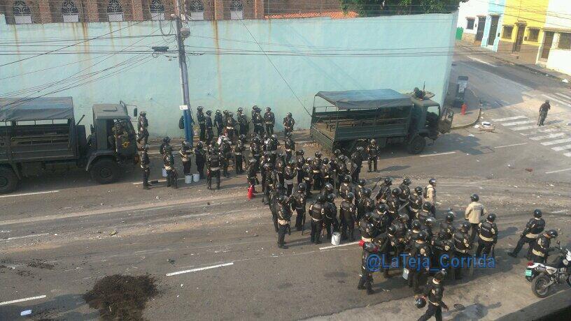 Gobierno de Nicolas Maduro. - Página 17 Bj-oCm2CIAELfA5