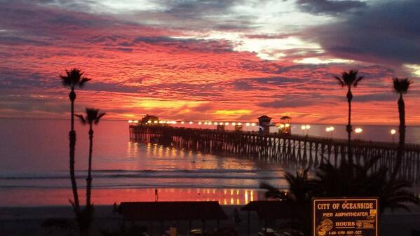 Check out this beautiful sunset shot in Oceanside shot by Heather Guerin Barnett!! http://t.co/mh3TNn9RL2 http://t.co/oyHCfvIVpj