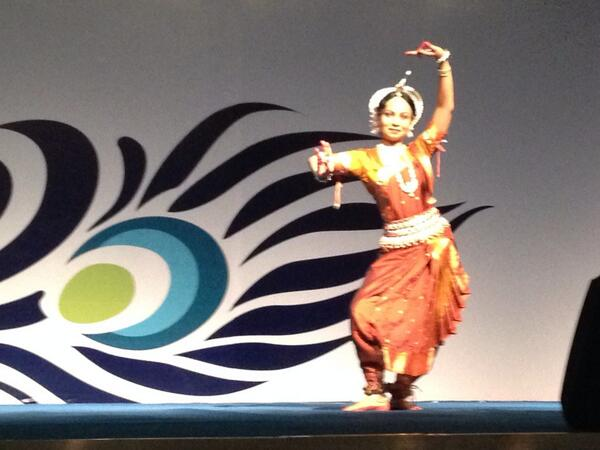 Terrific show at opening ceremony #rcog2014 http://t.co/oxWW8YDCtD