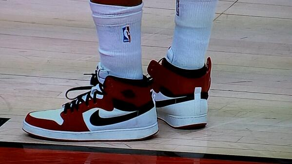 Cannot confirm nor deny if those ankles are Lowry's own or super bionic endoskeletons #RTZ http://t.co/Liaq3xPE5p