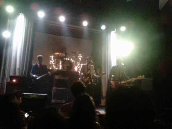 Suena YA!!!! En Liverpool Bar Grososss!!!! @luca_ya @YA_Oficial @Anucristal @RoxitaaPietra @alandestefano1 http://t.co/w3C5G2bKcw