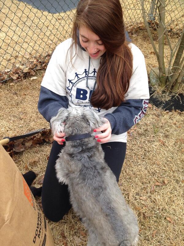 Even dogs like the #CGABigEvent #PRSSA http://t.co/sac5zV49BF