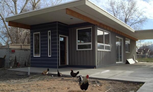 Container home built by 2 40-foot-long,9-foot-6-inches-tall, 8-foot-wide recycled containers.- http://t.co/ExmOyVQxXq http://t.co/K7IvAMkypX