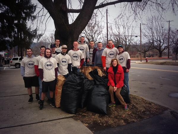A job well done and a morning well spent with my brothers @Bloomsburg_DKE http://t.co/omXh00tjkw