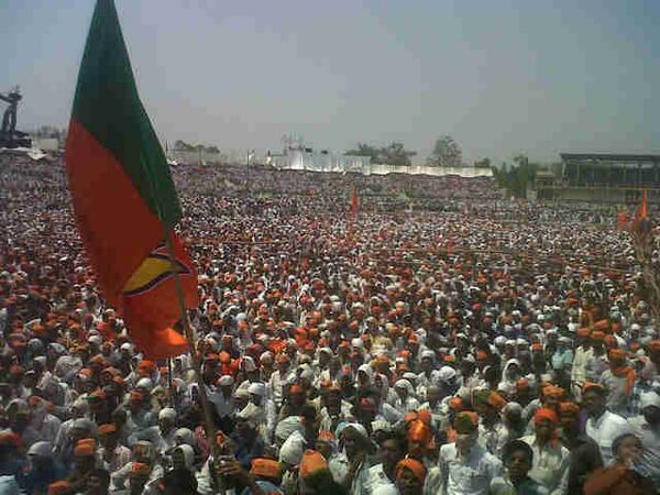 Crowds at Narendra Modi's rally in Nanded, Maharashtra http://t.co/GB1TcGJBcZ