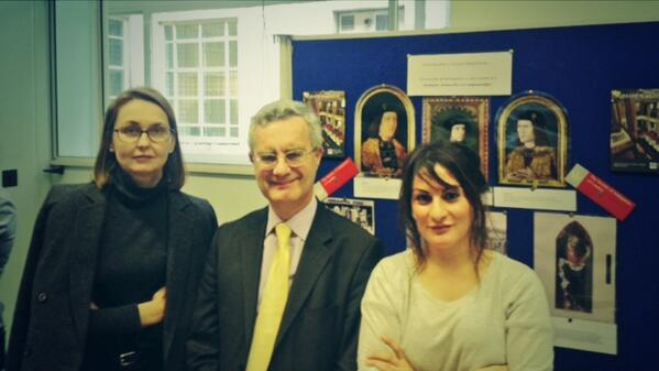 Meet Ortrun and Adrian (library staff) and Anooshka (museum staff) at #SenateHouse #histday14: http://t.co/2QW4miEkyb