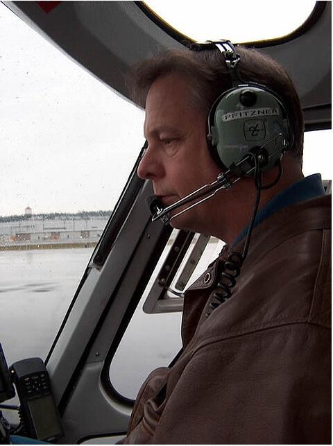 """He loved what he did, loved to fly."" Our dear friend Gary Pfitzner was the pilot in today's crash #LiveOnKOMO http://t.co/CQ3aTow8nQ"