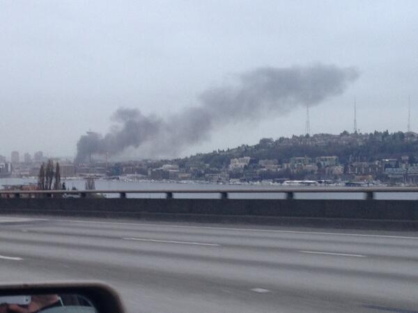 Breaking: Huge fire in downtown Seattle. Apparently the KOMO 4  helicopter crashed & everything's on fire now. #crazy http://t.co/eUsFtBZyQG